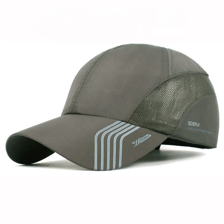 100 % Polyester Sports Fitted Hats 6 Panel OEM & ODM 56-60cm Size